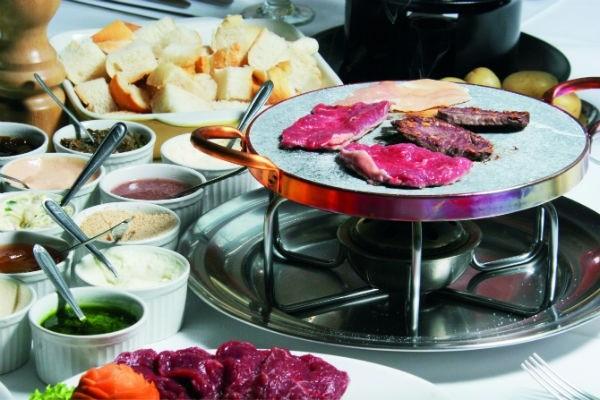 Sequência de fondue é formada por oito variações (Crédito: Divulgação)