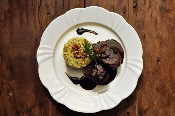 Pratos são compostos por essência, sabor e requinte (Crédito: Empório Canela)