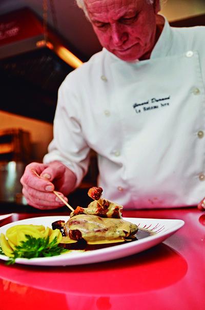 Chef Gérard Durand já teve restaurantes na França, Rio de Janeiro e Distrito Federal antes de chegar em Porto Alegre (Crédito: Divulgação)