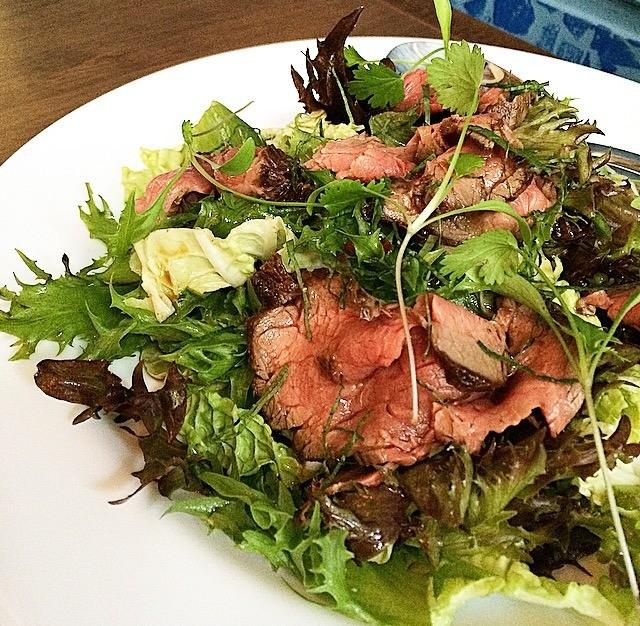 bistro-babel-salada