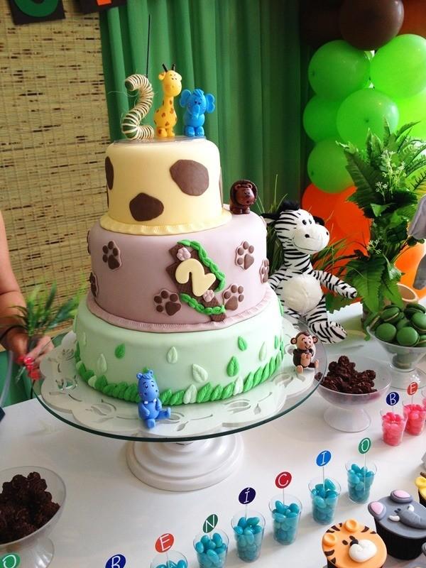 Bolo Artístico da Lana Cakes, inspirado no tema da festa para um menino de 2 anos