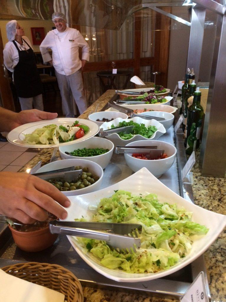feijoada-hotel-deville-saladas