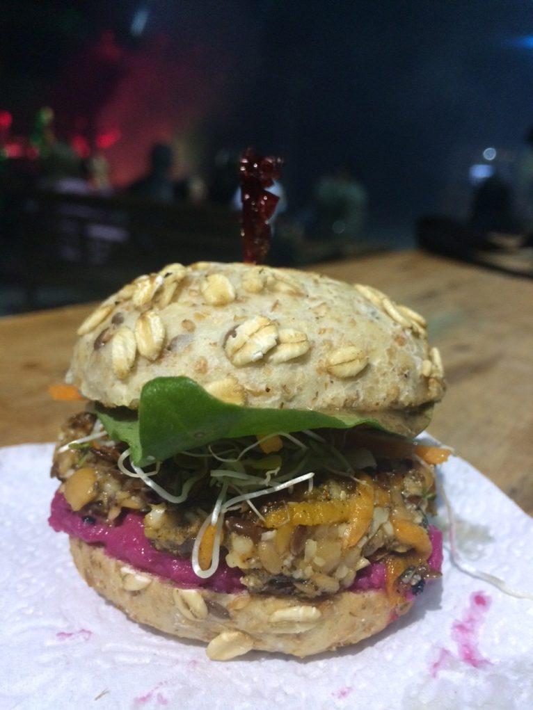 costao-burger-vegetariano-food-truck-sabina-fuhr