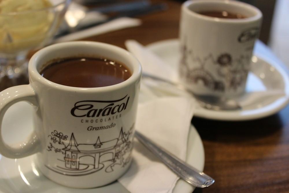 Chocolate quente é uma das preferências dos clientes (Foto: Avner Fernandez)