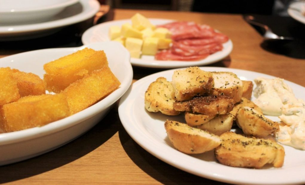 Polenta frita no antepasto (Foto: Bruna Klassmann)