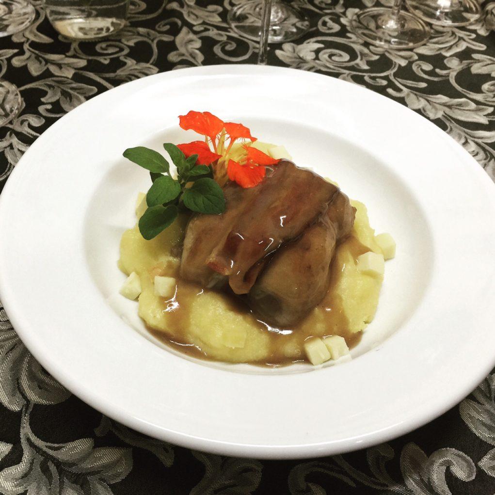 Durante a harmonização, a chef Janete Camelo serviu Codorno desossada em cama de polenta com provolone