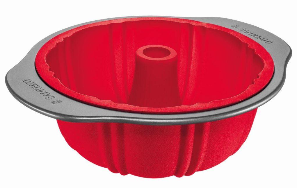 O material não derrete, resiste até 220ºC e pode ir do forno para o congelador. Podem ser usadas tanto no forno convencional quanto no elétrico.Crédito: Divulgação