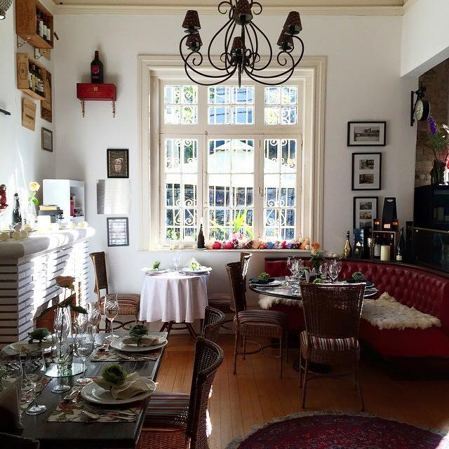 Ambientado em casarão do início do século XX, o House Café Bistrô tem novidade durante às tardes. (Crédito: Divulgação)