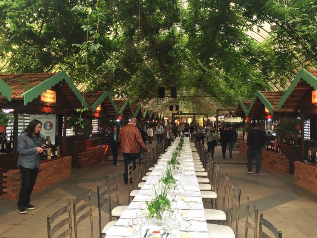 No ano passado, evento reuniu dezenas de pessoas na Rua Coberta em Gramado