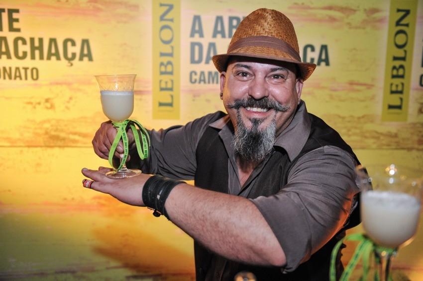 """Na final, o drinque apresentado foi o """"Pereirinha"""". (Fotos: Carlos Roberto/Leblon)"""