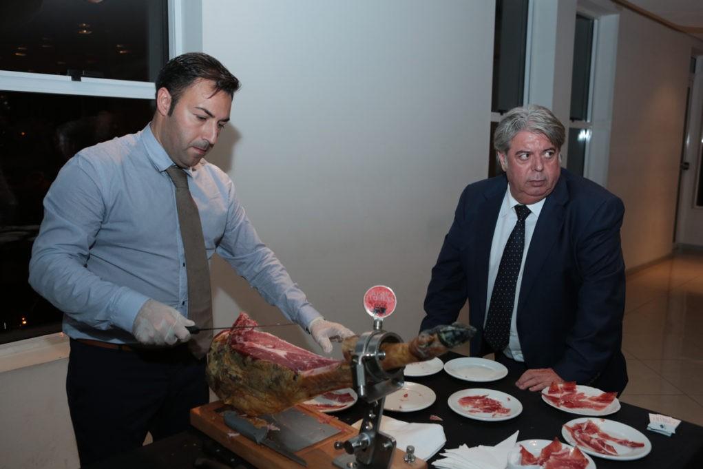 À direita, Josep Ramón Llorens, um dos maiores embaixadores do tesouro culinário espanhol. Foto: Juarez Machado