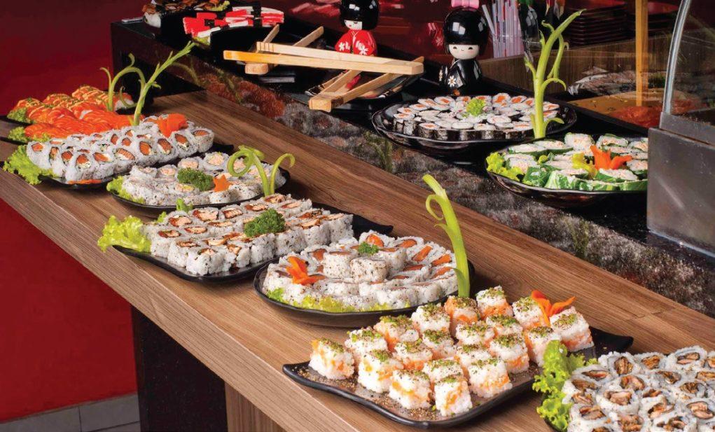 Restaurantes têm feito esforços para não elevar o valor dos pratos que levam o peixe. Crédito:Tchêmaki/Divulgação
