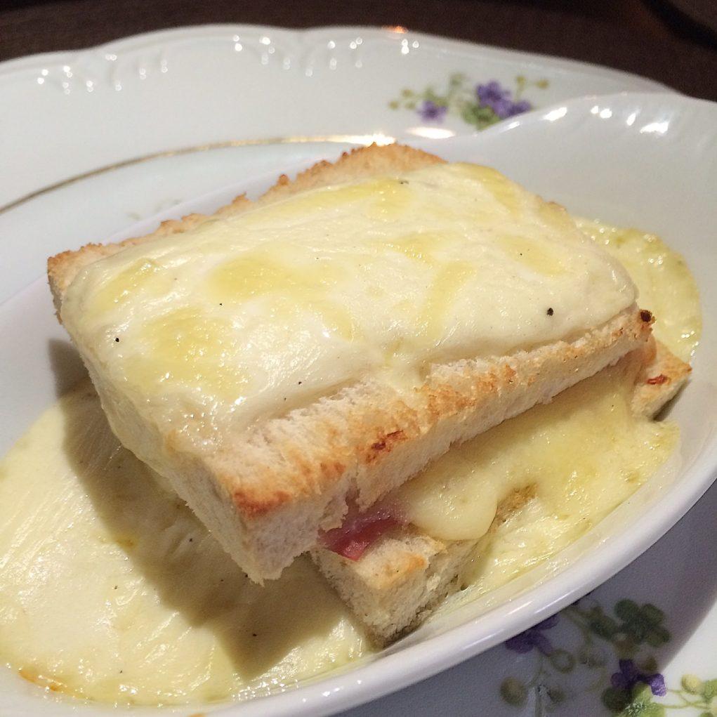 brunch-magnólia-canela-sabina-fuhr-prato-quente
