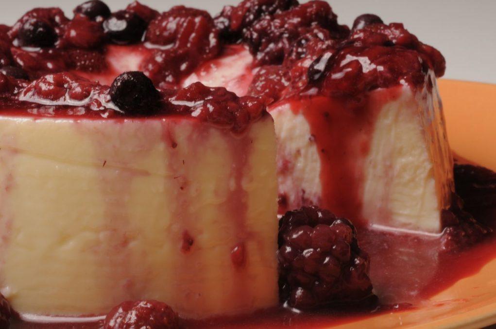 Iogurte com frutas vermelhas. Crédito: Divulgação