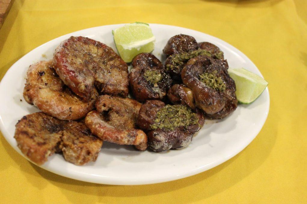 Molleja e Chinchulín sabores tipicamente uruguaios. Foto: igor Amaral