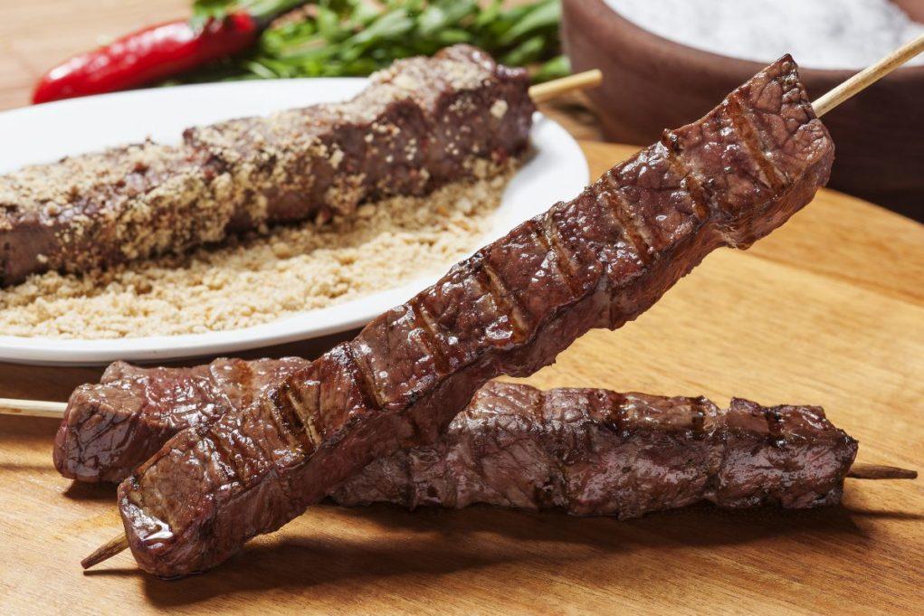 receita-de-espetinho-de carne