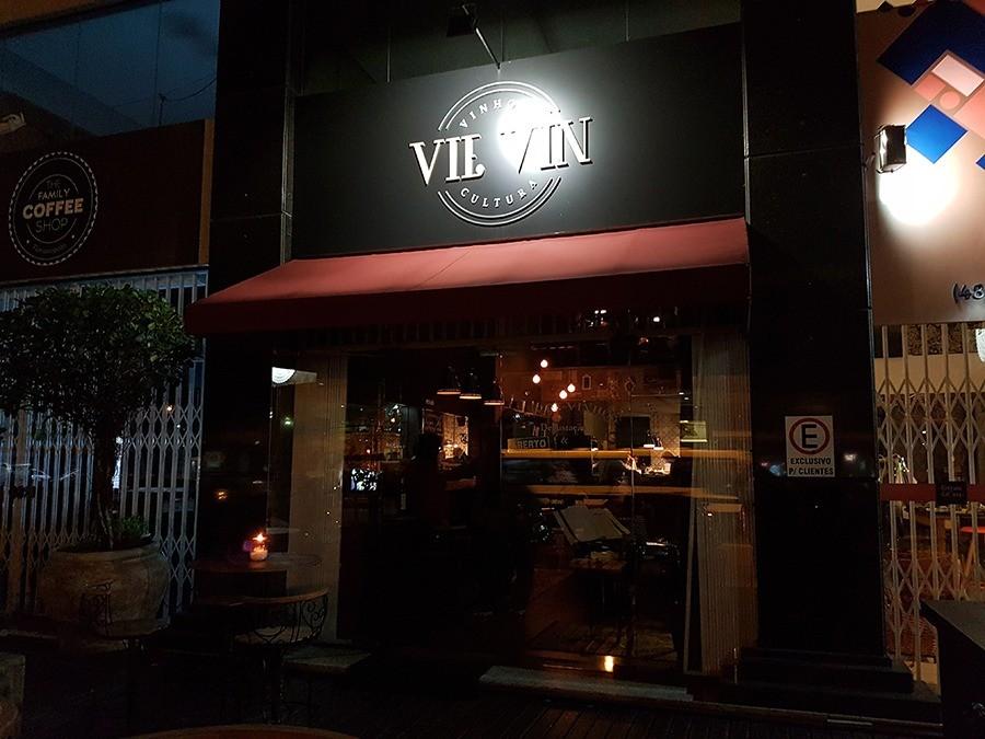 Vie Vin fica na Av. Me. Benvenuta, 1157, Santa Mônica. (Foto: Sabina Fuhr)