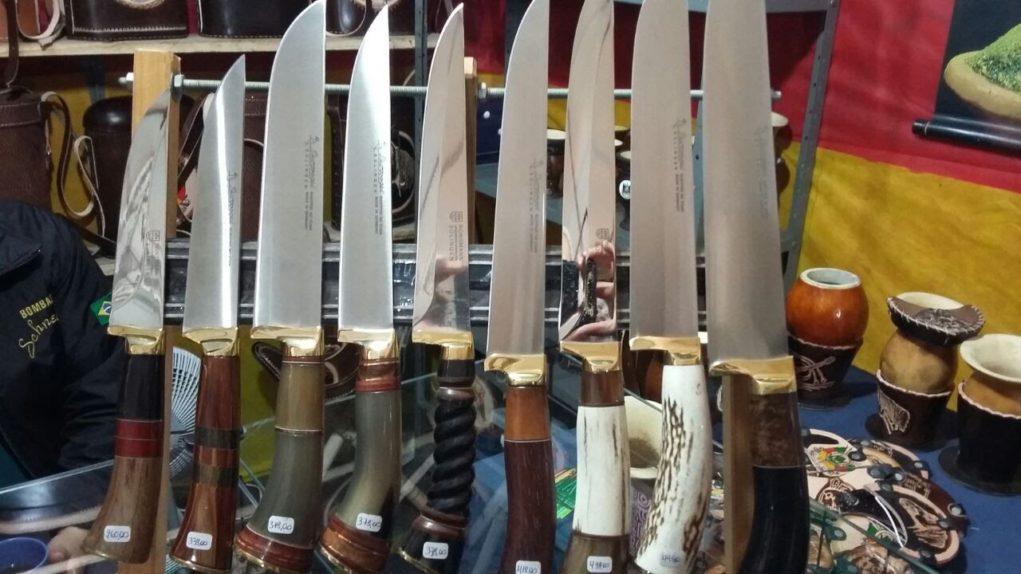 a-graca-na-cozinha-acampamento-farroupilha-facas