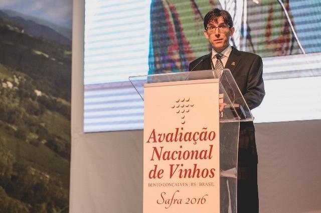 Juliano Daniel Perin - Presidente da ABE