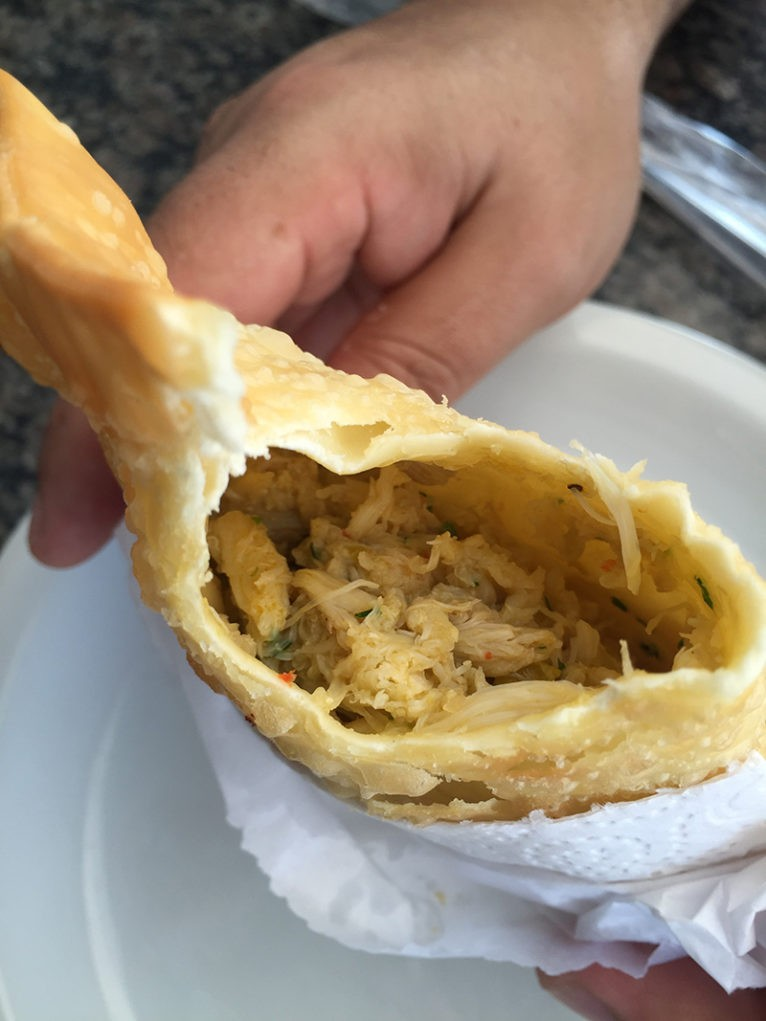 restaurante-plataforma-atlantida-pastel-siri