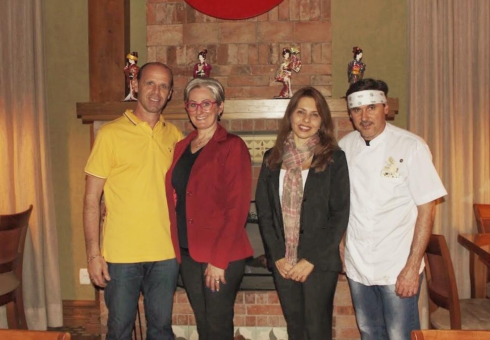 Os proprietários da casa: Paulo Roberto Giovanaz, Roselaine Turra, Carla Simone Roso e Jonas Roso