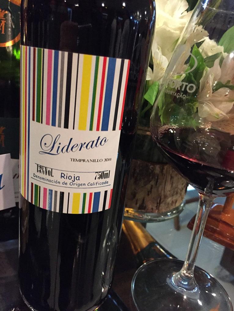 wine-tasting-porto-a-porto-liberato-tinto