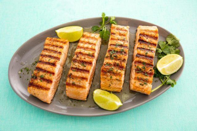 salmão de churrasqueira