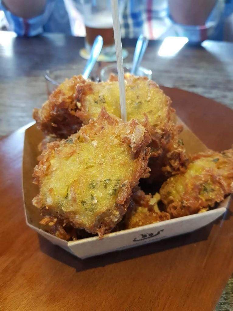 bolinhos fritos de batatas