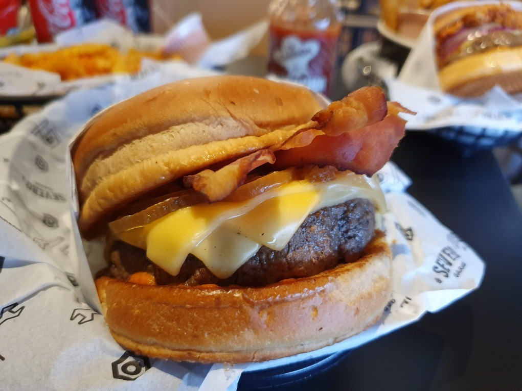 burger de bacon serveo garage novo hamburgo