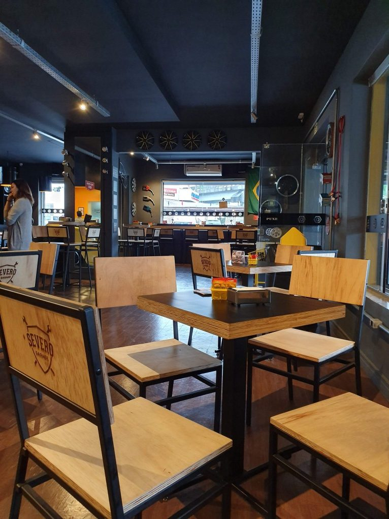 mesas e cadeiras severo burger novo hamburgo