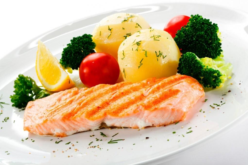 salmao com legumes