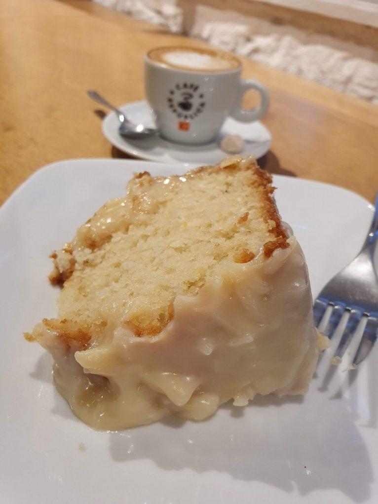 bolo de coco café república cup