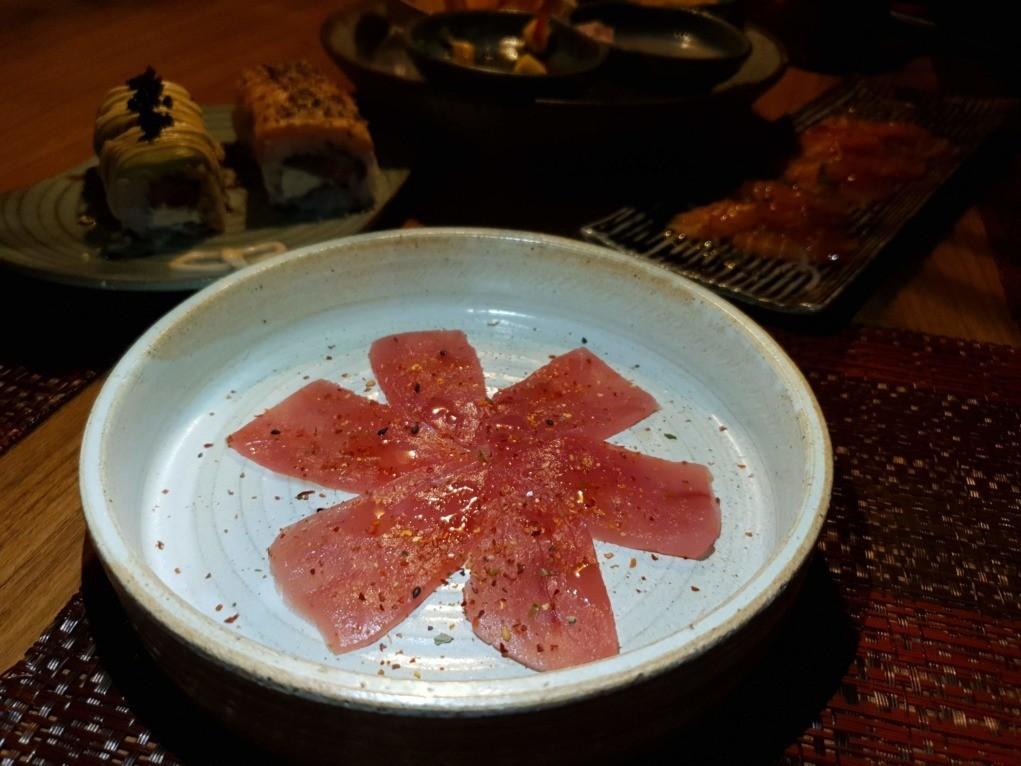 carpaccio de atum a gueixa capão de canoa