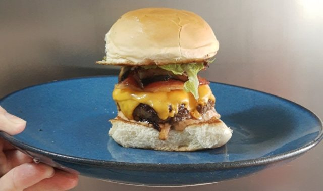 Como fazer hambúrguer em casa: