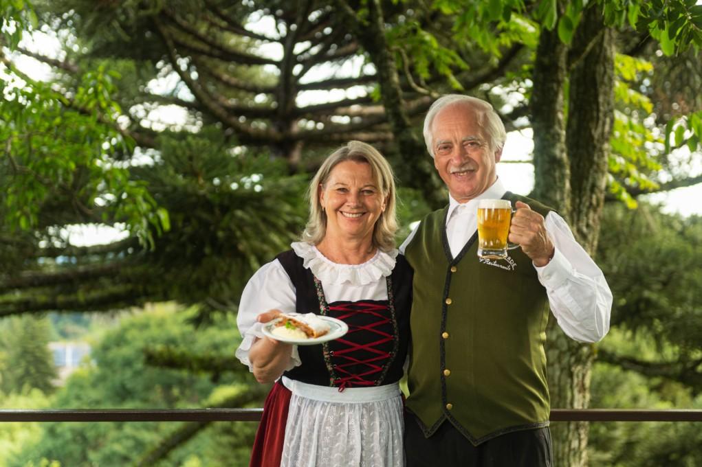 Ido e Marlene Schwantes colina verde